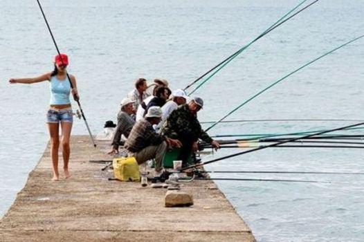 Как стать своей на рыбалке? Девушка на рыбалке
